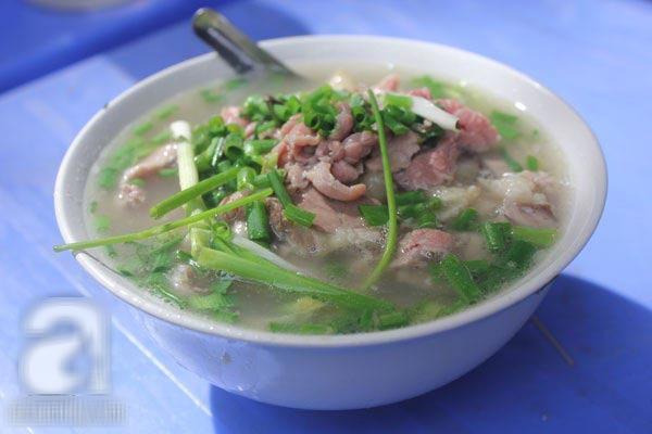 4 quán phở đắt ngon đông khách ở Hà Nội