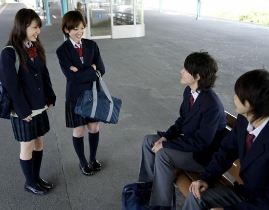Học sinh bắt buộc phải mặc đồng phục