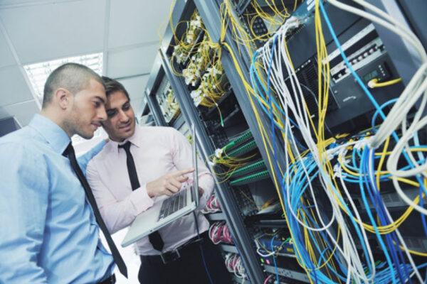 Mức lương trung bình ngành điện điện tử hiện nay