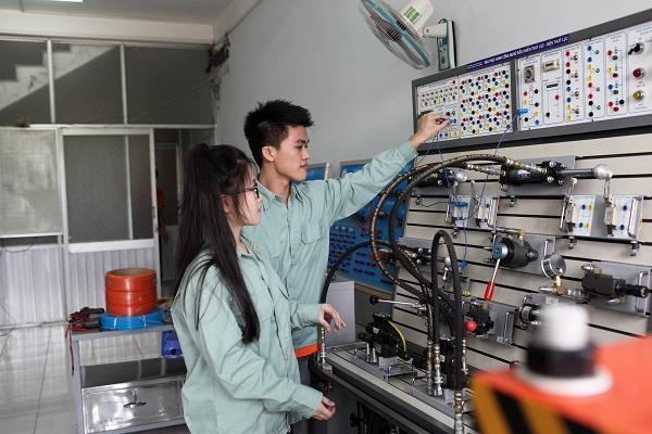 Kỹ sư điện là gì?